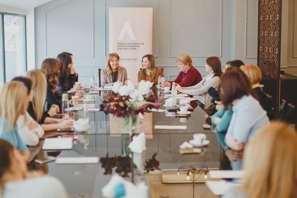 Întâlnirea membrelor AFAM cu Sanda Divricean