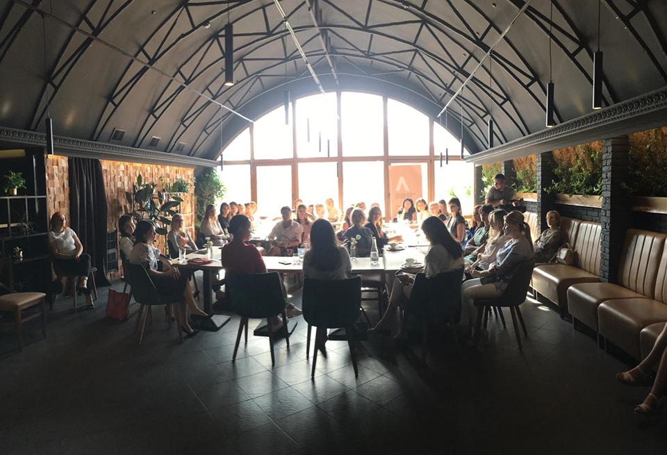 Business Breakfast & Networking cu Olga Melniciu